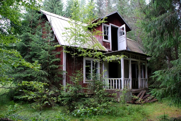 Abandoned Cabin In The Woods Vrmland Sweden Photorator