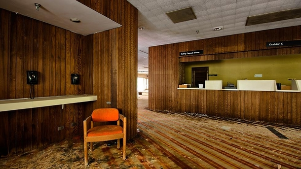 Abandoned Hotel Lobby In The Poconos Pa