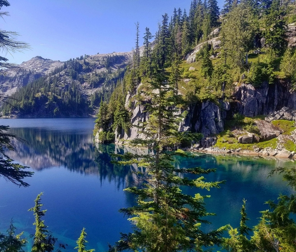 Alpine lakes look a lot better on sunny days Alpine Lakes WA