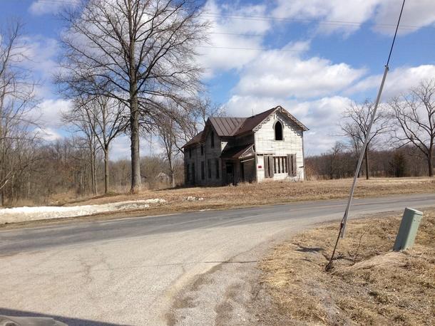 An Abandoned Farm House in Rural Ohio - Photorator