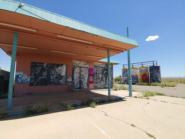 Another abandoned gas station in AZ