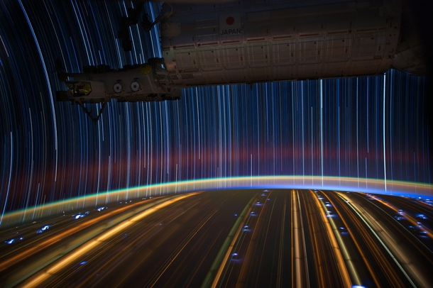 Astronaut Donald Pettit took the photo with an exposure of - minutes