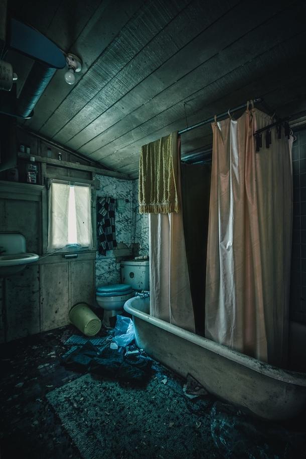 Bathroom in an abandoned cabin CA - Photorator