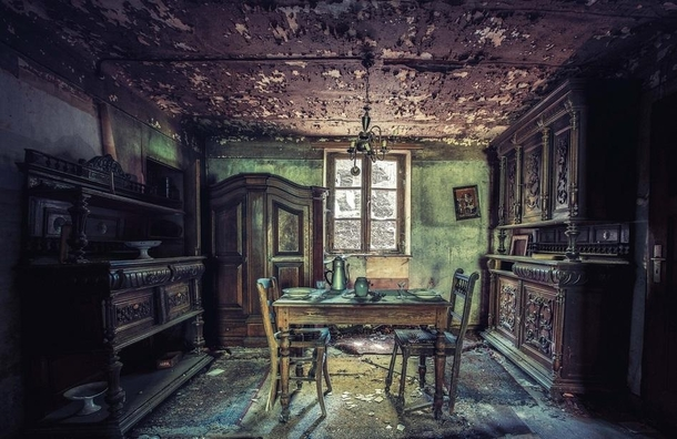 Beautifull Dining room in an abandoned House  Video Link Discription
