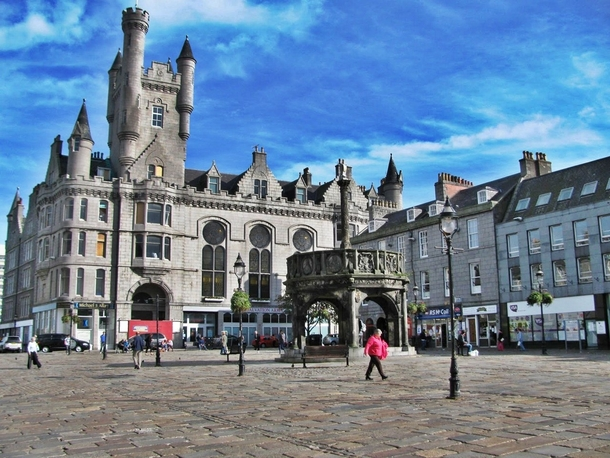 http://photorator.com/photos/images/castlegate-in-aberdeen-scotland-my-home-town--32916.jpg