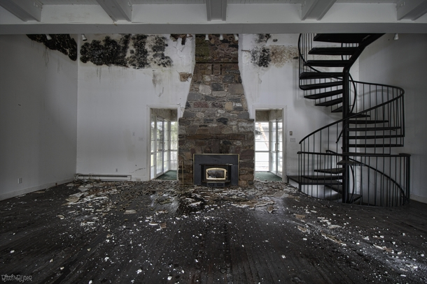 Crazy Mold Decay amp an Amazing Staircase Inside an Abandoned Time Capsule Mansion
