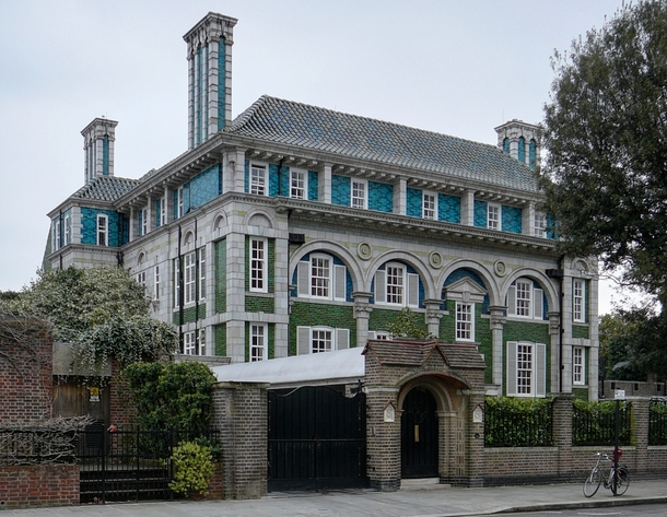 Debenham House a Grade I listed building built in the Arts and Crafts style during the s Holland Park Royal Borough of Kensington and Chelsea London United Kingdom