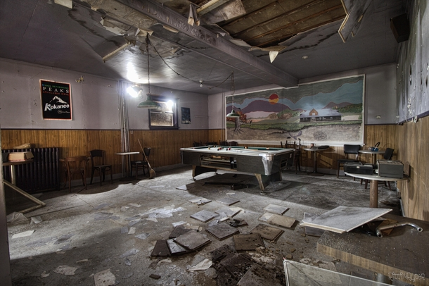 Decaying Abandoned Bar in Northern Ontario with Everything Left Behind
