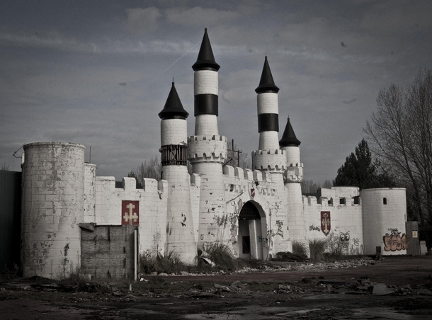 Entrance To Abandoned Theme Park Camelot In Chorley England Photorator