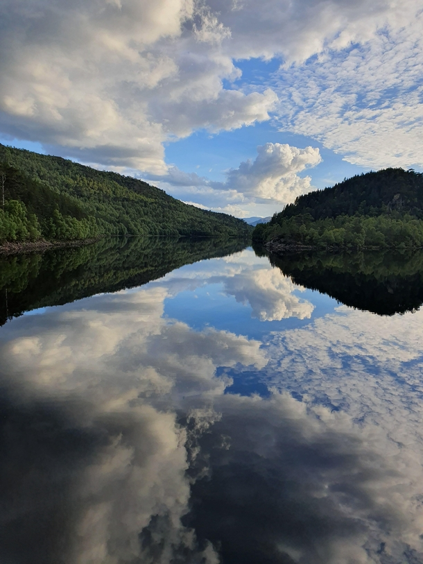 Glen Afric - Scotland Wasnt expecting the mirror effect