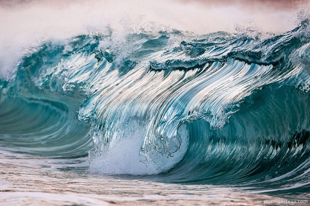High-speed photography turns waves to ice