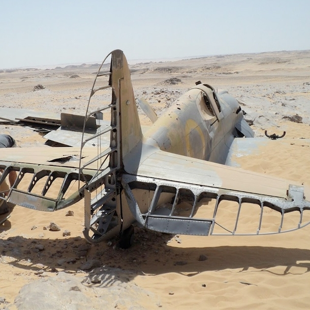 HS-B Kittyhawk in the desert  Article in comments