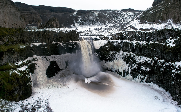 Ice volcano in Palouse Falls WA
