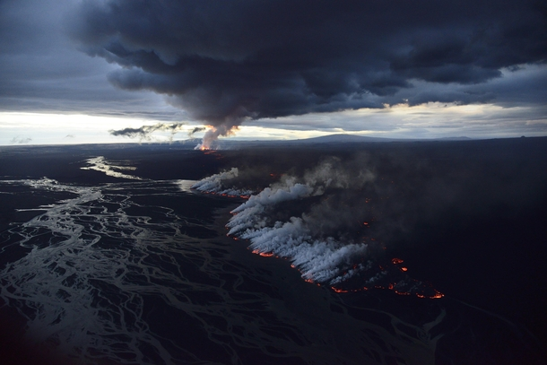 Icelands Bardarbunga volcano ongoing eruption over the Holuhraun lava field Photo by Orvar Atli Porgeirsson