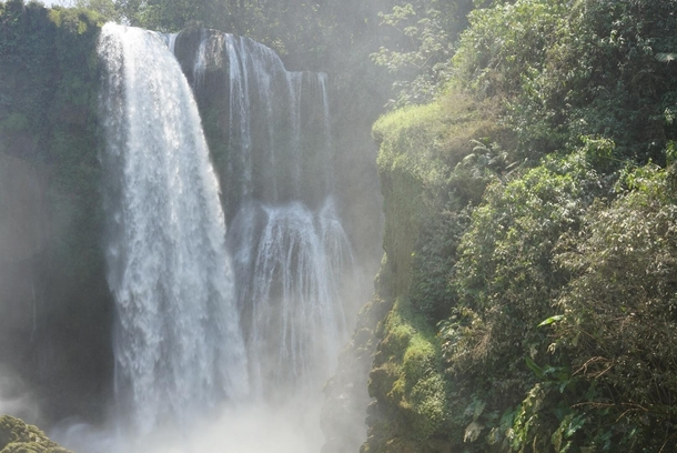 Imagine my surprise at finding the beautiful Pulhapanzak Falls at the end of a scavenger hunt San Buenaventura Honduras