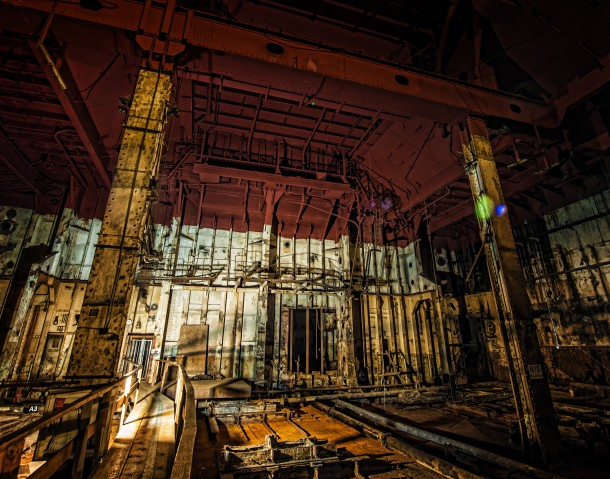 Inside the boiler room of the Queen Mary - Photorator