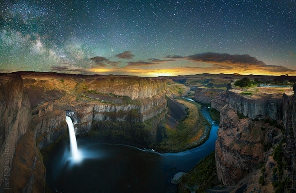 Lightning and Stars over Palouse Falls WA