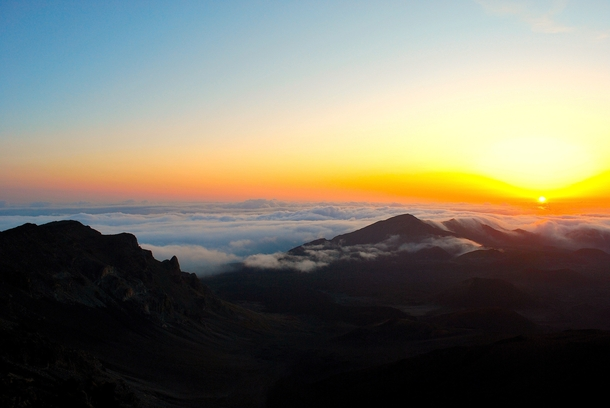 Mark Twain called it the most sublime spectacle he ever witnessed Sunrise at Haleakala Crater Maui x