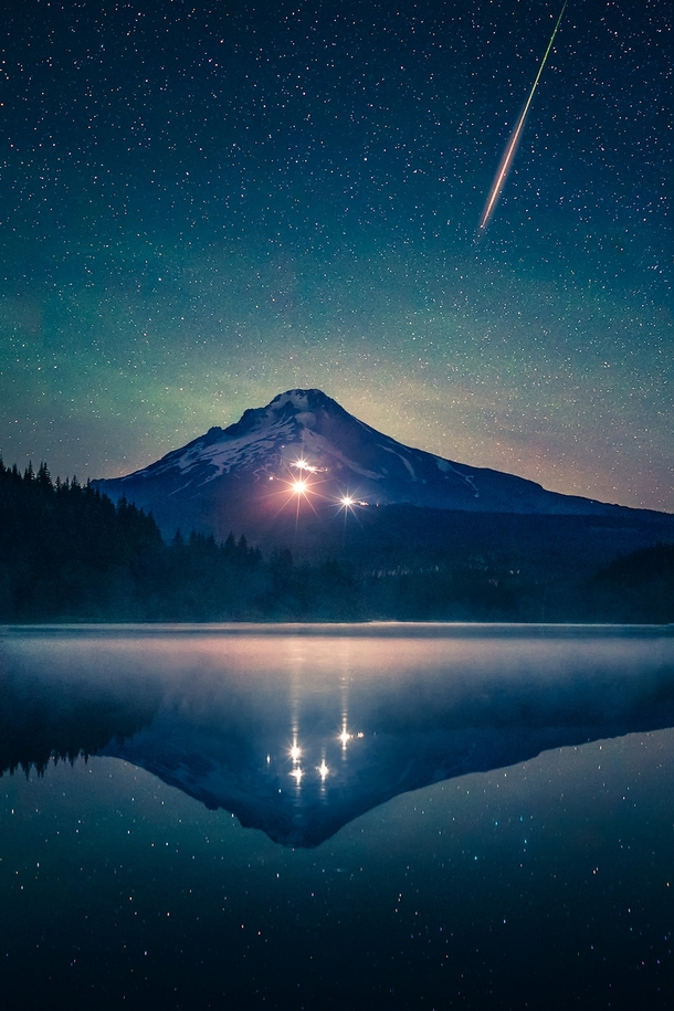 Meteor over Mt Hood by kdsphotography