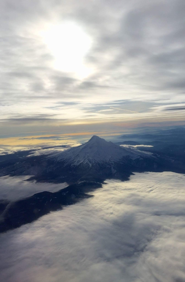 Mt Hood Oregon from the air Credit goes to a non-Redditor friend OC