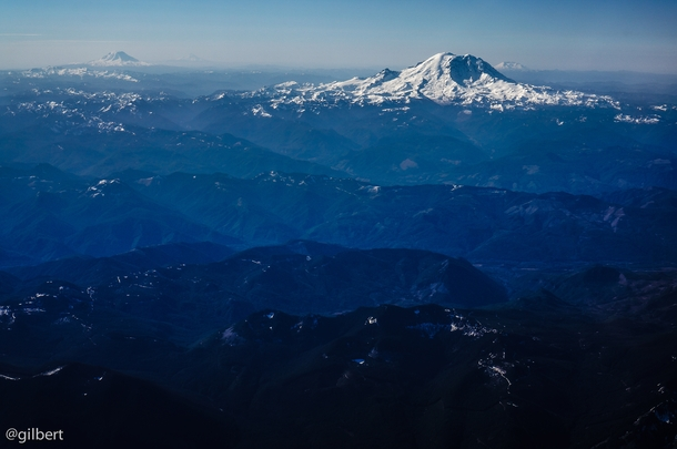 Mt Rainier Mt Adams Mt St Helens and Mt Hood from a plane - Washington State OC