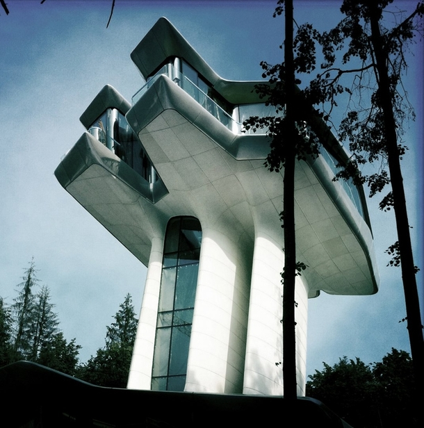 Naomi Campbells Crazy Spaceship House In Russia By Zaha