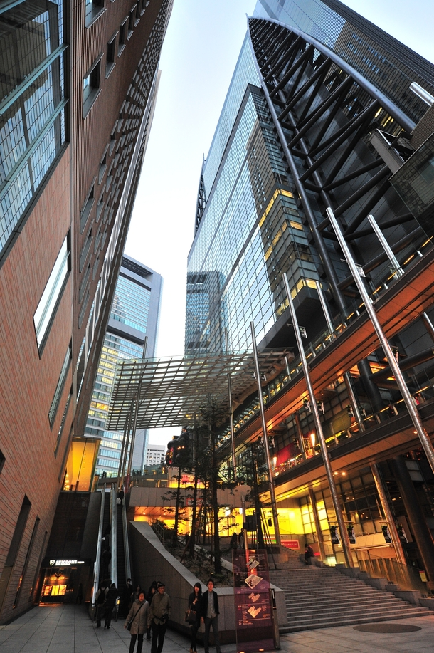 Nippon TV building in Shiodome Tokyo - Photorator