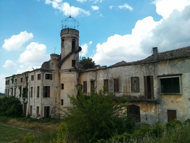 Old abandoned place near Padova Italy I saw on my bike ride  x