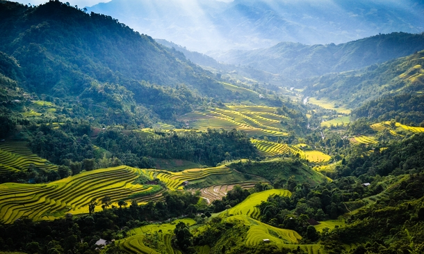 One of the many reasons I love Vietnam Ha Giang Province near the Chinese border