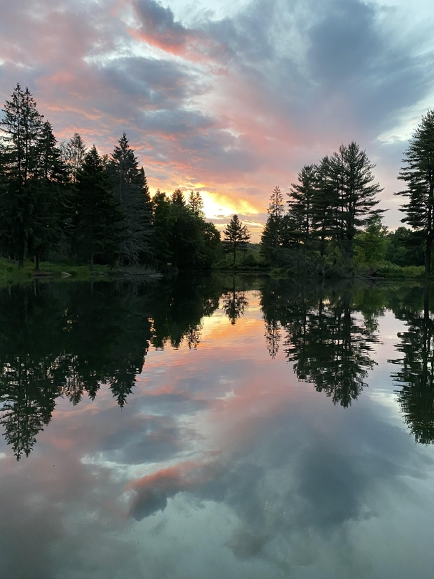 Pond sunset in Utica PA while fishing Friday night OC X Reposted to get the rules right