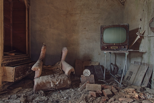 Room In An Abandoned House By Julia Kamp Photorator
