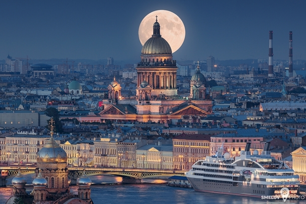 Saint Petersburg Under a Full Moon by a local photographer Ivan Smelov