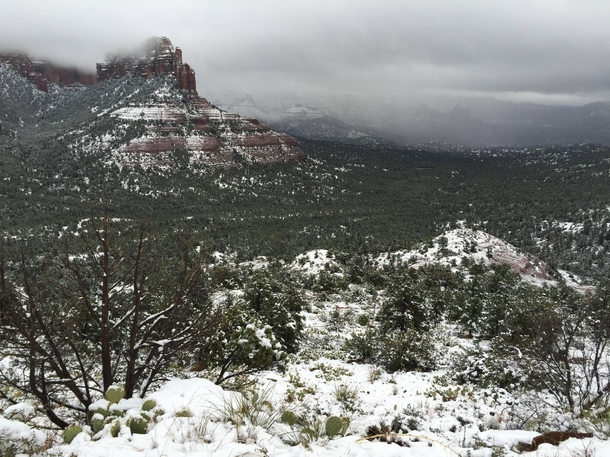 Sedona AZ looks absolutely breathtaking this time of year