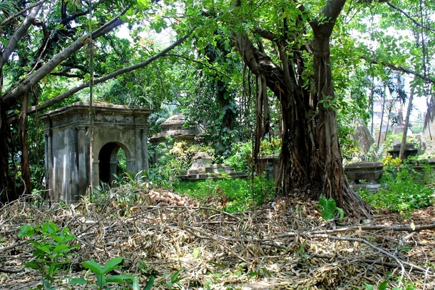 South Park Street CemeteryKolkataIndia Believed to be haunted