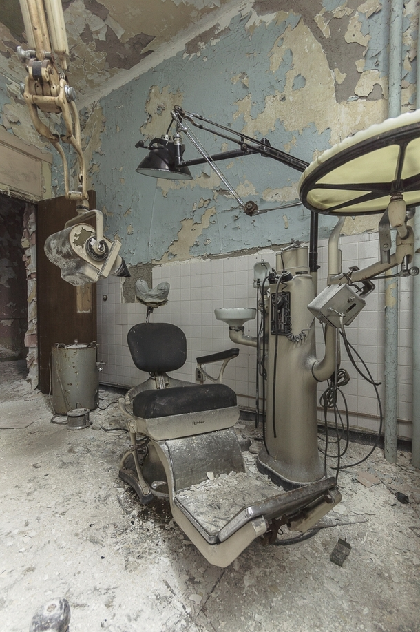 Straight out of a horror movie or your worst nightmares is an abandoned dark and creepy dentists office OC