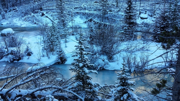 Stunning winter scenery while hiking in the Beartooth Wilderness in Southern Montana