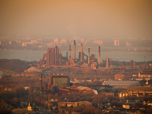the-almost-defunct-steel-mills-of-hamilton-ontario--68140.jpg