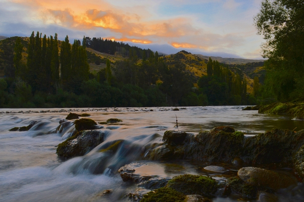 The fast-flowing Clutha River New Zealand