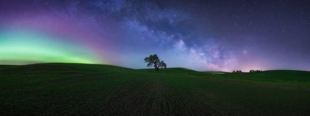 The magic of the Northern Lights and Milky Way over the wheat fields of Eastern Washington from this weekend