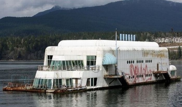 The Mcbarge The First Floating Mcdonalds Abandoned Since Vancouver Bc Photorator