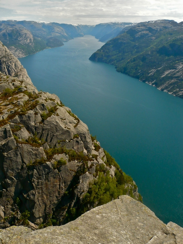 This is what the edge of a  metre sheer cliff looks like Preikestolen Norway