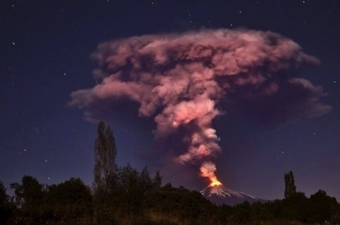 Villarica volcano eruption that occurred yesterday in Chile photo by Ariel Marinkovic