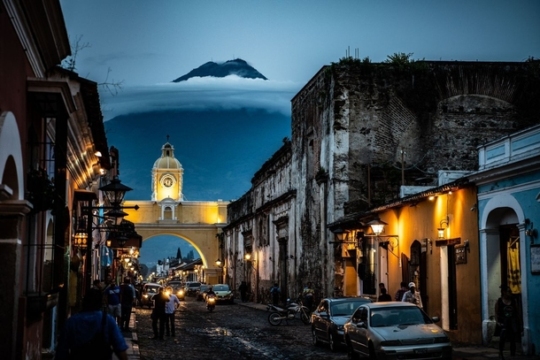 Volcano looms over the city of Antigua Guatemala