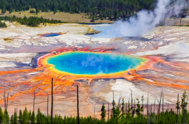 What the Grand Prismatic Spring of Yellowstone would look like if all man-made objects were removed - Akin Bilgic