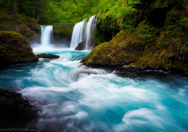 Yes the water really is that blue at Spirit Falls and it was breathtaking Columbia River Gorge Oregon