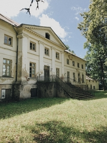 Abandoned manor built in