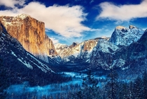AM In the freezing Yosemite Valley x