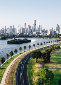 Melbourne skyline and the Grand Prix Circuit racetrack