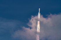 SpaceX Falcon Heavy pierces the clouds on its maiden flight album in comments