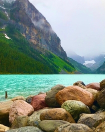 x Lake Louise Banff National Park in the Canadian Rockies